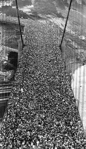 عکس دیدنی از افتتاح یک پل در آمریکا در 1937