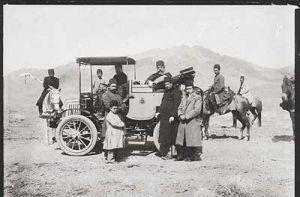 تصویر نخستین اتومبیل وارد شده به ایران