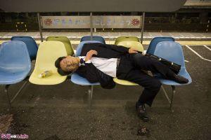 چرت زدن های خنده دار ژاپنی ها