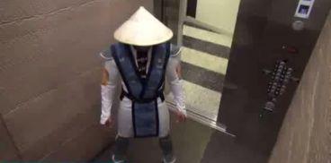دوربین مخفی فوق العاده خنده دار و باحال در آسانسور!