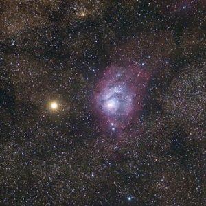 همنشینی مریخ و سحابی «مرداب» را امشب در آسمان ببینید