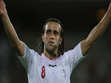 علي کريمي از فوتبال خداحافظي کرد