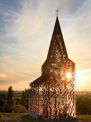 عجیب ترین و مسحور کننده ترین کلیسای دنیا