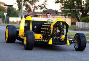 ساخت یک ماشین واقعی با لگو!
