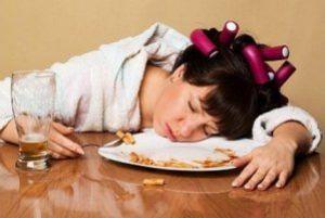 انجام دادن این کارها بعد از غذا خوردن بیمارتان می کند، مراقب باشید!!
