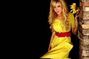 آرایش مناسب لباس زرد + فیلم