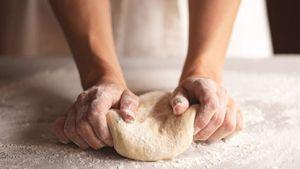 آموزش درست کردن خمیر پیتزا