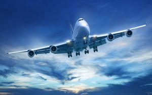 برخورد صاعقه با هواپیما در آسمان + فیلم