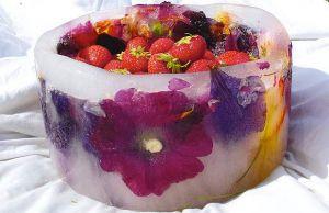 کاسه یخی، یک ایده عالی برای سرو یخ و میوه های خنک تابستانی
