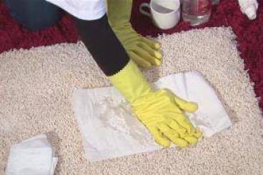 خانه تکانی نوروز : نکته هایی مهم در لکه بری فرش
