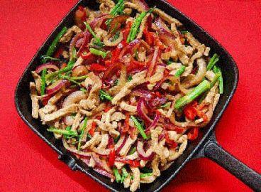 هنرآشپزي؛طرز تهيه خوراک گوشت و رشته